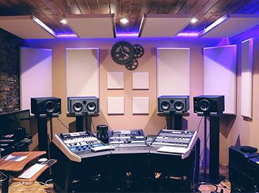 Tratamento e Isolamento acústico para estúdios e casas de show